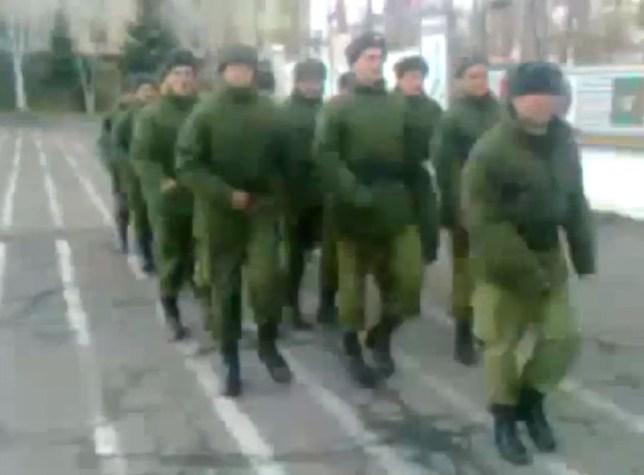 Russia soldier march to SpongeBob SquarePants video