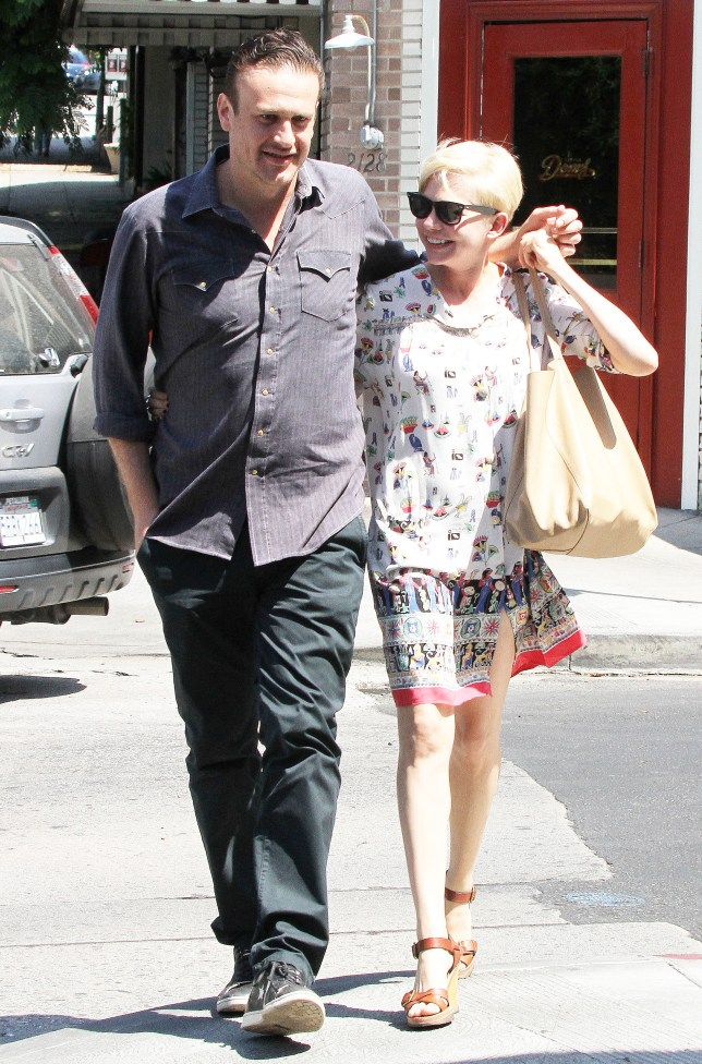 MICHELLE WILLIAMS WITH HER BOYFRIEND Jason Segel