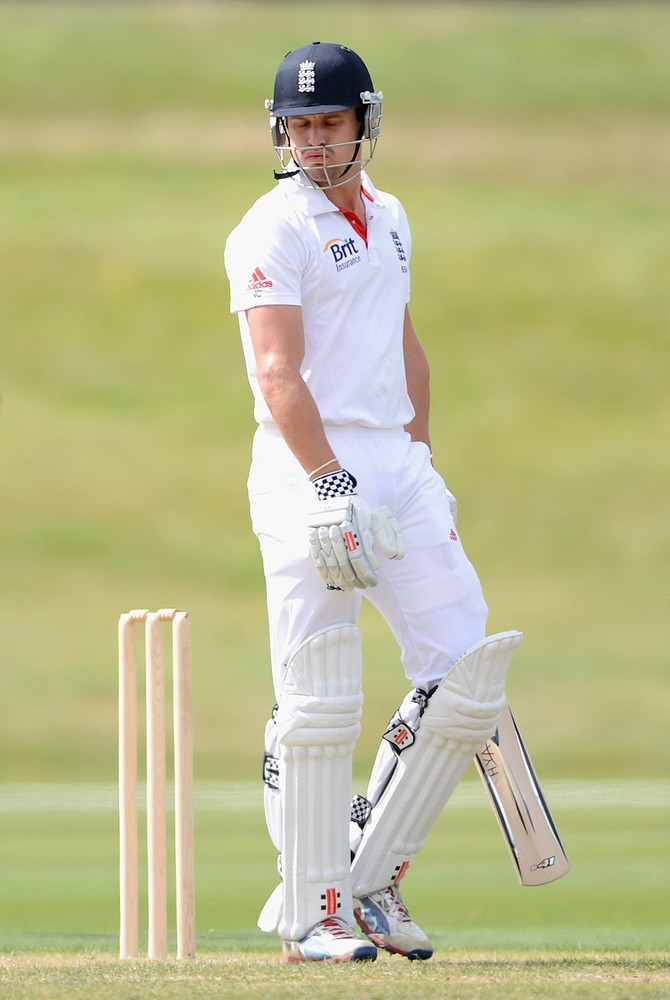 Nick Compton to open batting against New Zealand despite mounting pressure
