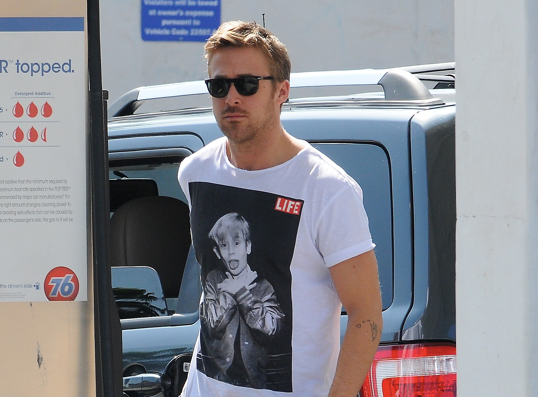 Ryan Gosling and Charlize Theron approached to star in Oscar Pistorius biopic?