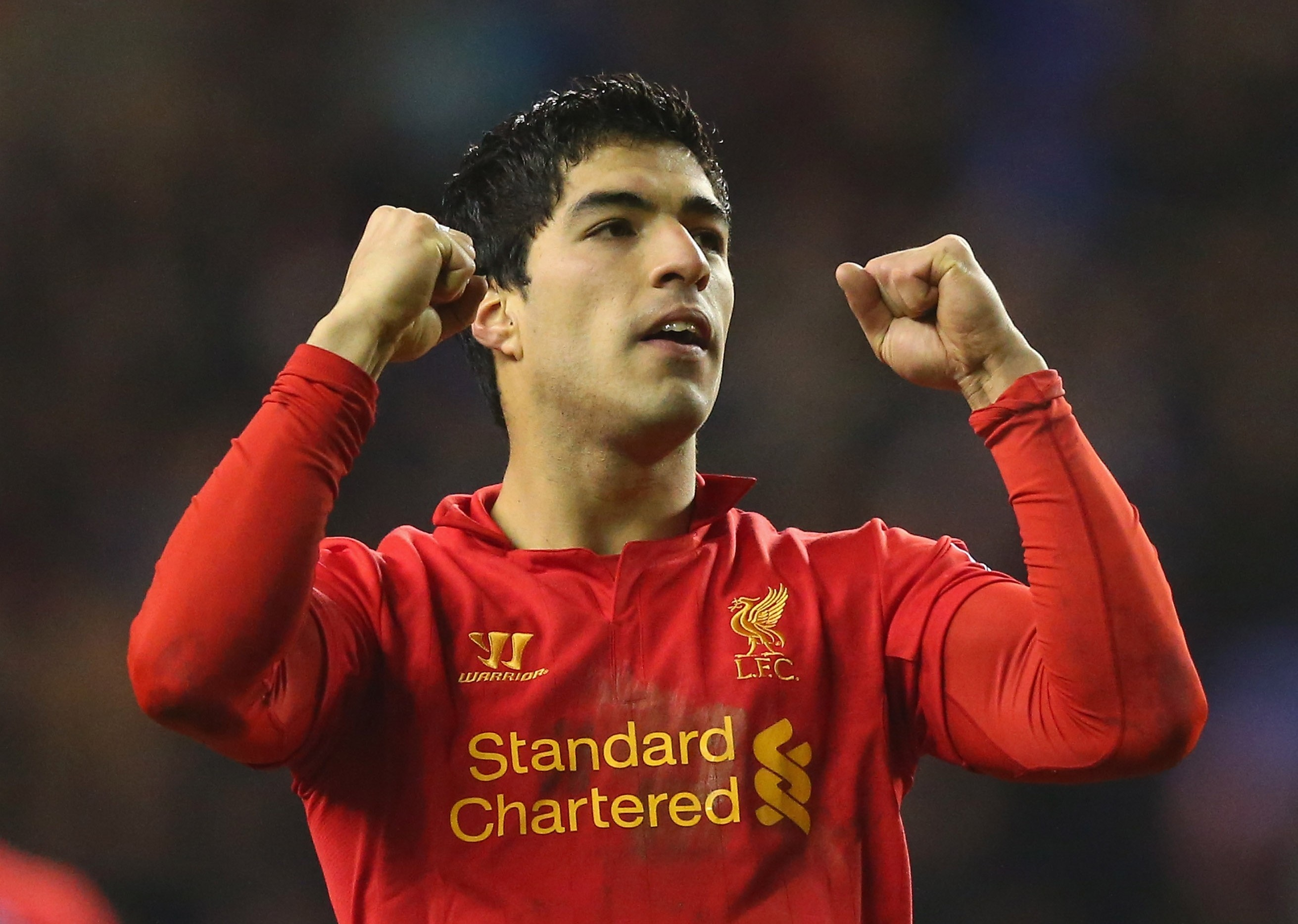 Luis Suarez warns Liverpool he'd 'welcome' offers from Champions League clubs