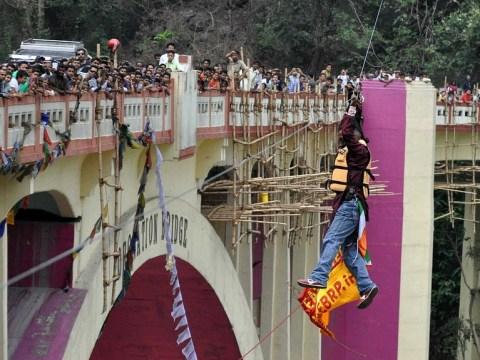 Daredevil Sailendra Nath Roy dies attempting to cross bridge using his ponytail
