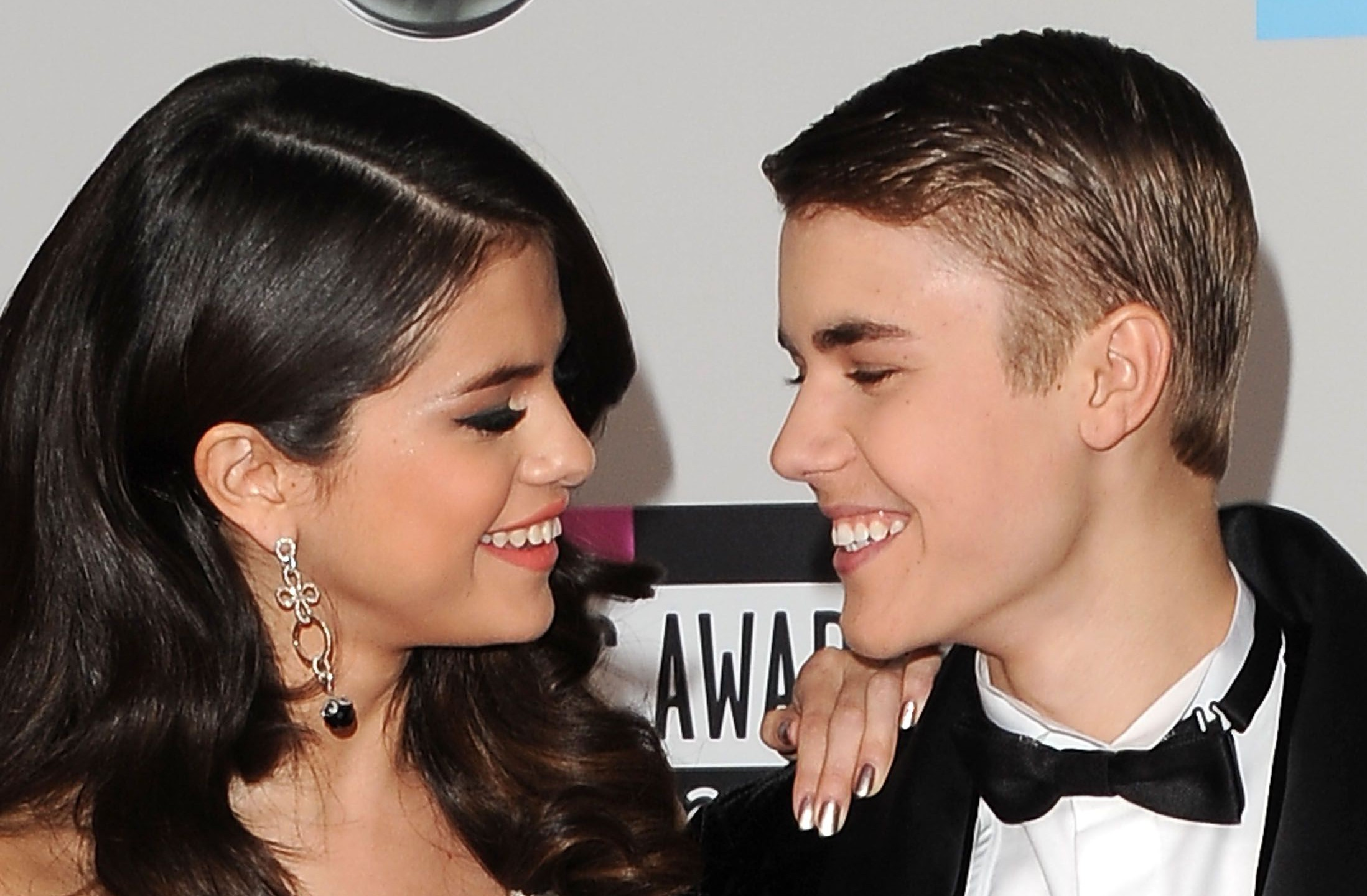 Justin Bieber is clearly not over Selena Gomez judging by this throwback snap