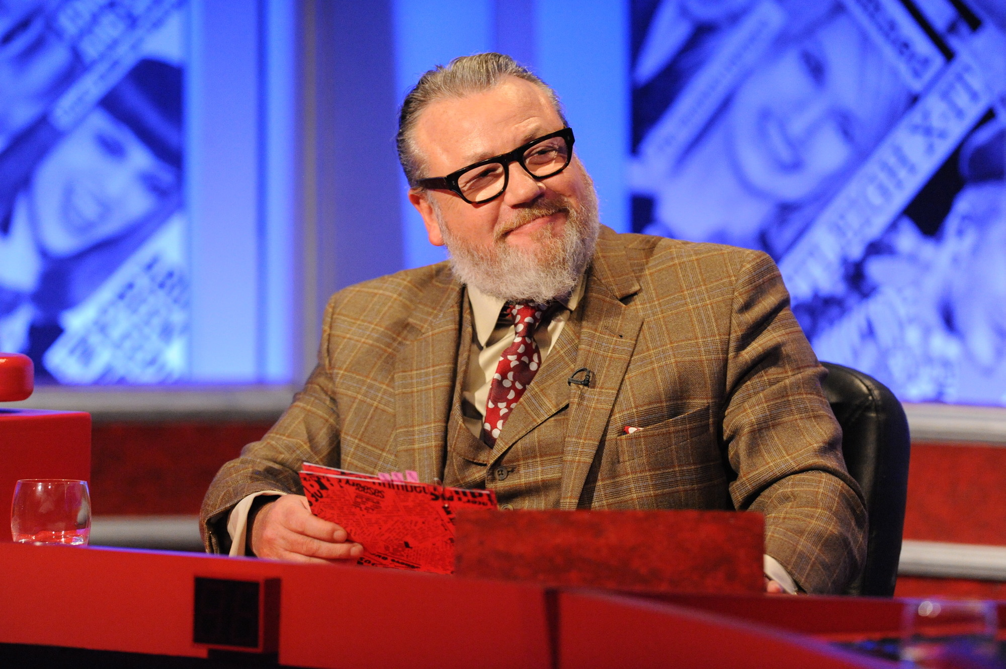 Guest host Ray Winstone divides Have I Got News For You fans