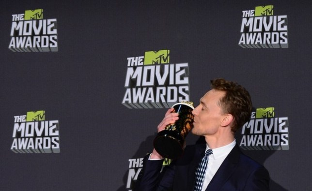 Tom Hiddleston thanked One Direction's pets at the 2013 MTV Movie Awards in Los Angeles, California, on April 14, 2013. Pic: FREDERIC J. BROWN/AFP/Getty Images)