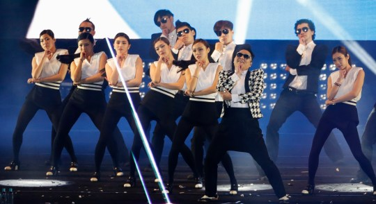 Psy performs in Seoul