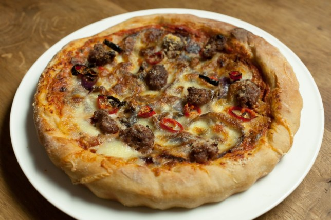 Recipe How To Cook The Ultimate Deep Pan Pizza Metro News