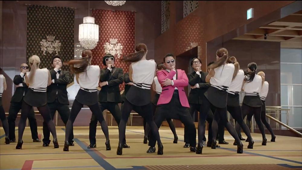 Psy's Gentleman video passes 400m mark on YouTube