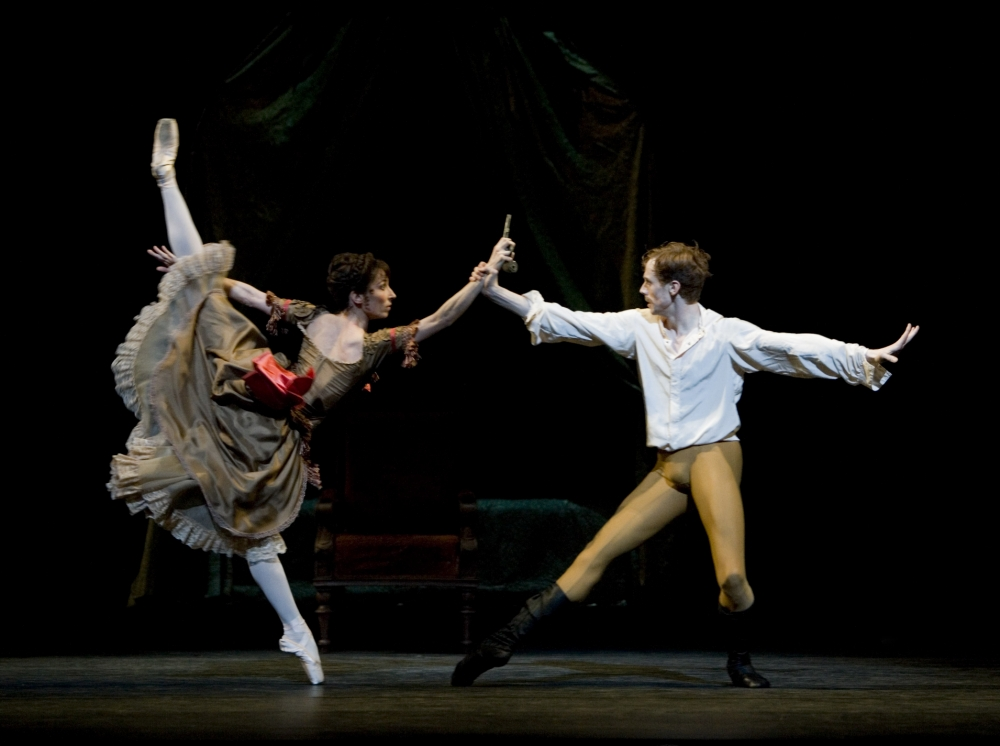Edward Watson and Mara Galeazzi do an exquisite turn in Mayerling at the Royal Opera House (Picture: Johan Persson)