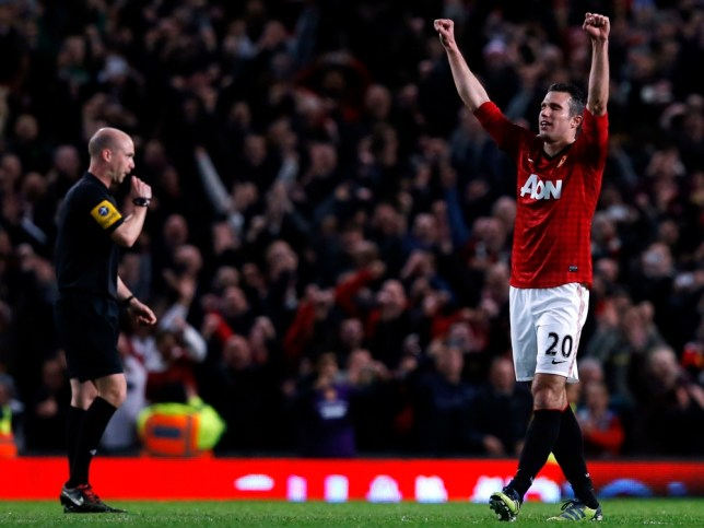 "Manchester United's Robin Van Persie (R) celebrates as referee Anthony Taylor blows the final whistle for their English Premier League soccer match against Aston Villa at Old Trafford in Manchester, northern England, April 22, 2013. REUTERS/Phil Noble (BRITAIN - Tags: SPORT SOCCER TPX IMAGES OF THE DAY) FOR EDITORIAL USE ONLY. NOT FOR SALE FOR MARKETING OR ADVERTISING CAMPAIGNS. NO USE WITH UNAUTHORIZED AUDIO, VIDEO, DATA, FIXTURE LISTS, CLUB/LEAGUE LOGOS OR ""LIVE"" SERVICES. ONLINE IN-MATCH USE LIMITED TO 45 IMAGES, NO VIDEO EMULATION. NO USE IN BETTING, GAMES OR SINGLE CLUB/LEAGUE/PLAYER PUBLICATIONS"