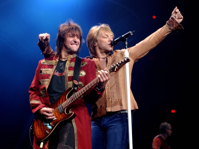 "SAMBORA BON JOVI...Guitarist Richie Sambora, left, and lead singer Jon Bon Jovi of Bon Jovi, perform Monday, April 7, 2003, at America West Arena in Phoenix during their ""Bounce"" tour. (AP Photo/Matt York)...A...ENT...PHOENIX...AZ...USA"