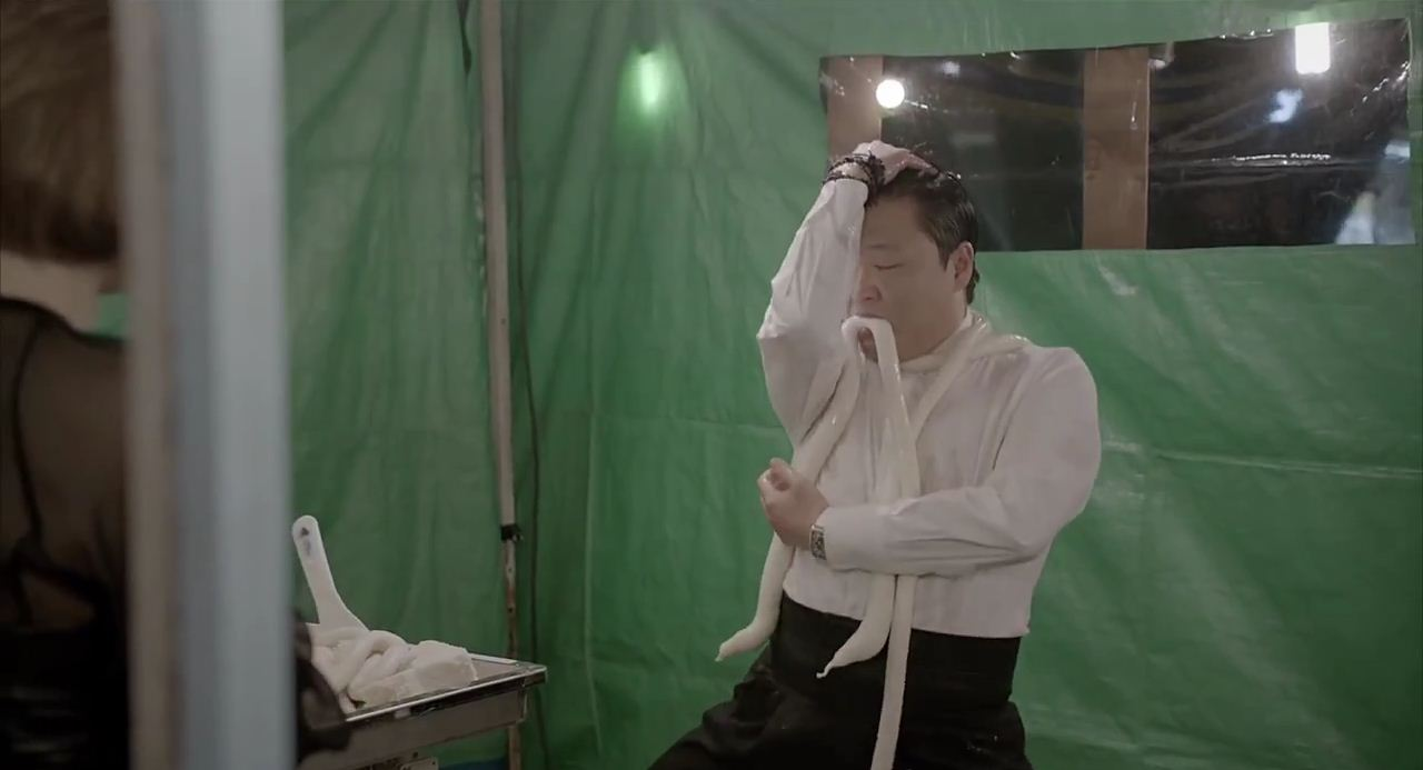 10 terrifying stills from Psy's Gentleman music video