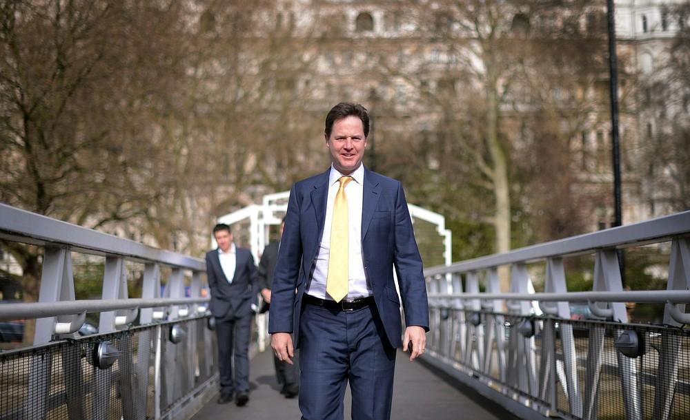 Government delays plans for royal charter for press regulation