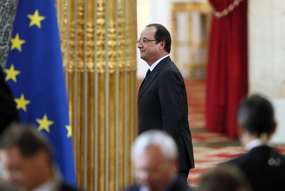 François Hollande sells off Elysée's wine collection