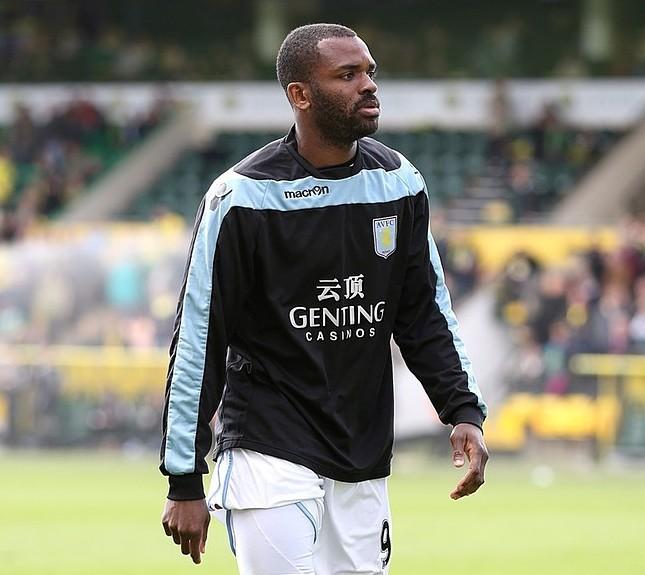 Fulham keen on out-of-favour Aston Villa striker Darren Bent as manager Martin Jol seeks wholesale changes at Craven Cottage
