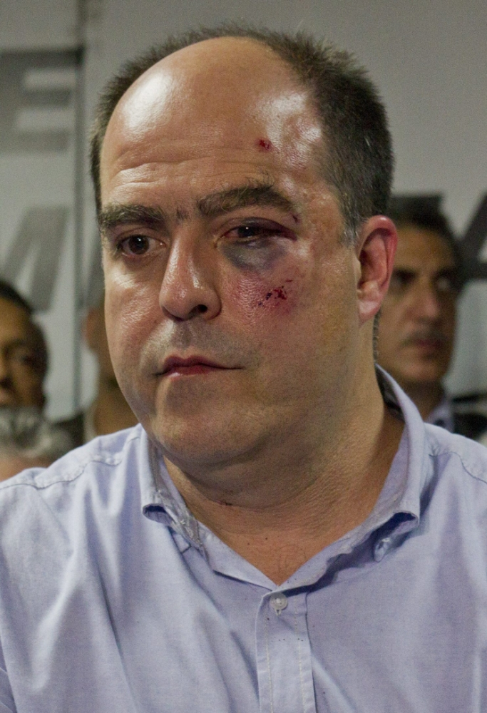 Venezuela, parliament fight