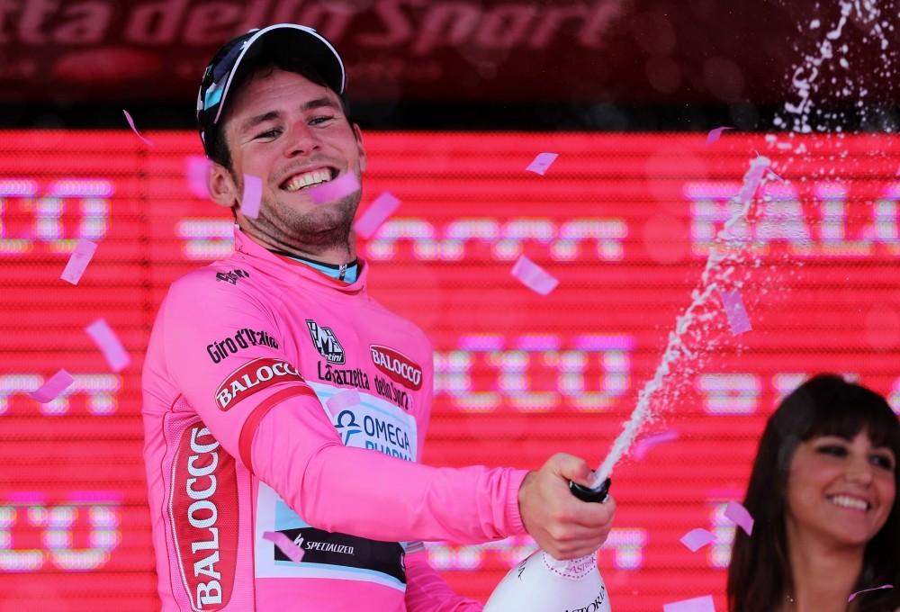 Mark Cavendish hails team effort after Giro d'Italia stage win