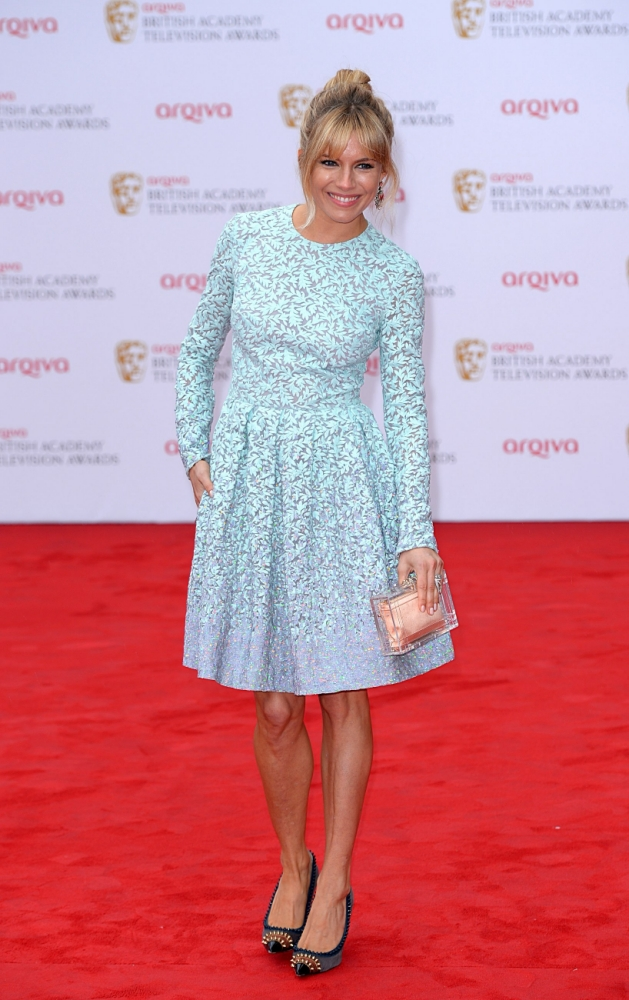 Bafta TV Awards: Sienna Miller 'I did not snog Cara!'
