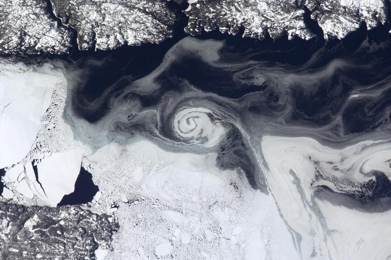 Gallery: Commander Chris Hadfield's best space images