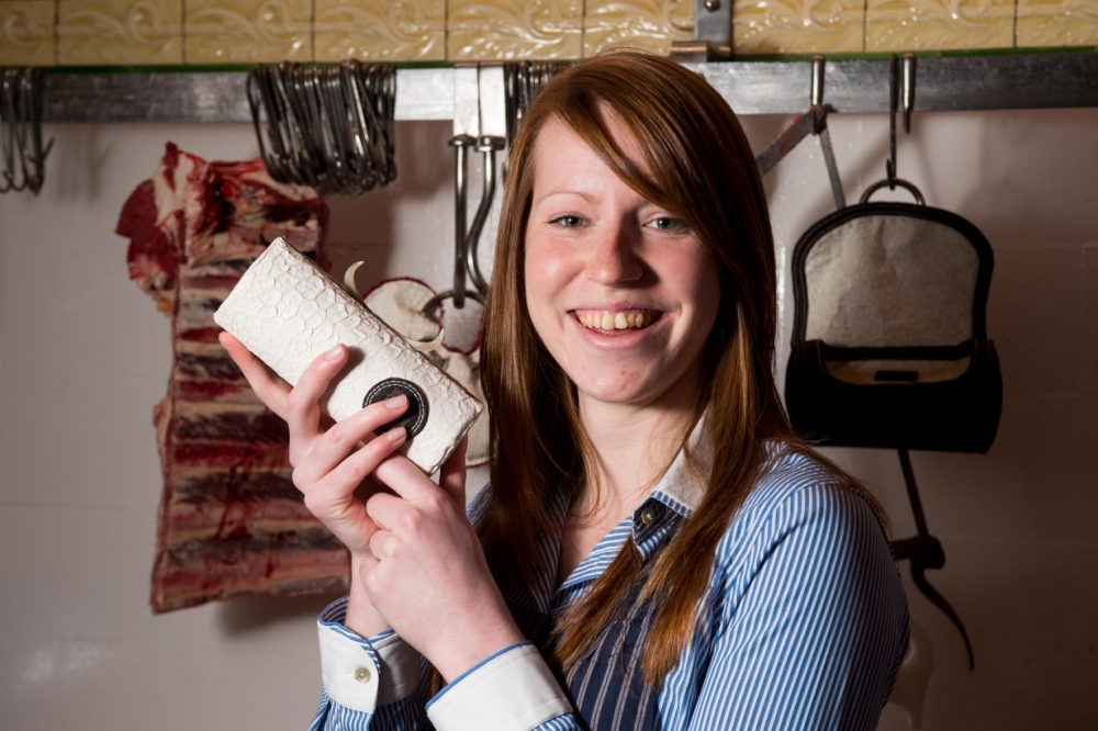 Jocelyn Mather: Scottish student unveils cow stomach handbags