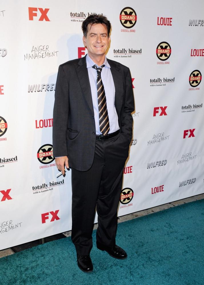 'My bad': Charlie Sheen apologises to Ashton Kutcher for Twitter abuse