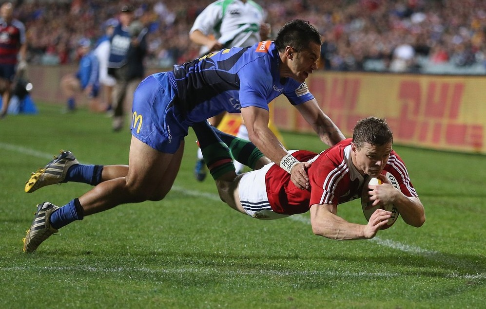 PERTH, AUSTRALIA - JUNE 05:  Brian O'Driscoll, the Lions captain, dives over for the second try despite the attention of Sam Christie during the tour match between the Western Force and the British & Irish Lions at Patersons Stadium on June 5, 2013 in Perth, Australia. Getty Images
