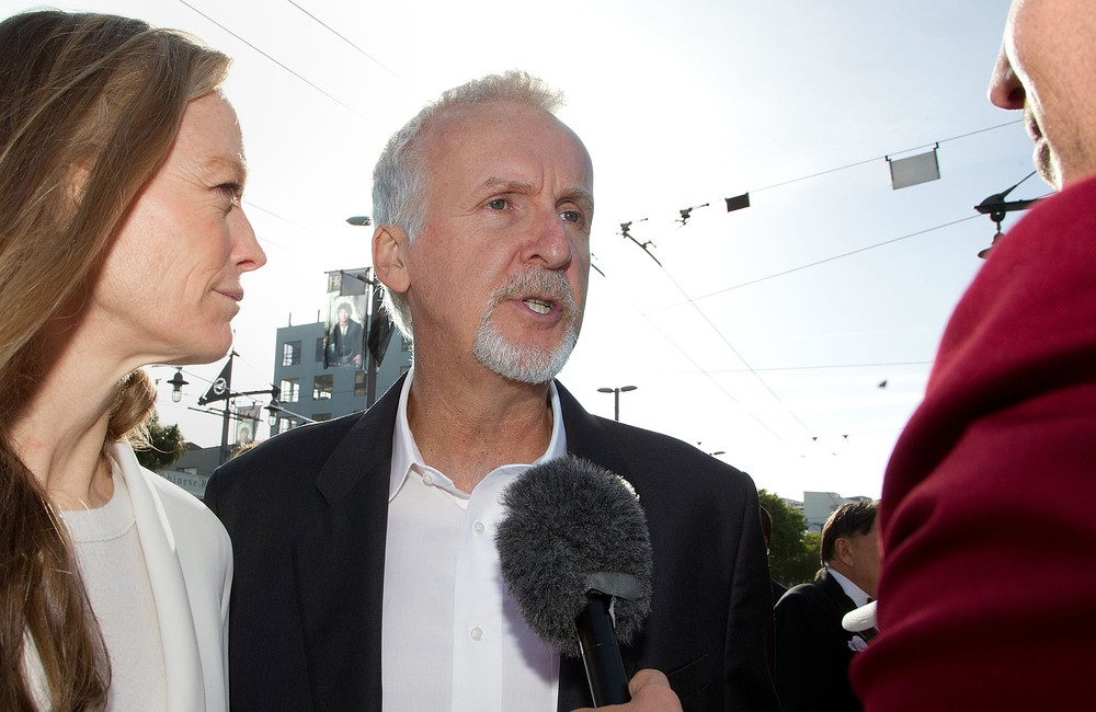 James Cameron sued by British artist Roger Dean over Avatar