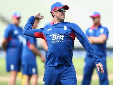 Alastair Cook insists Graeme Swann's Ashes chances will not be 'risked'