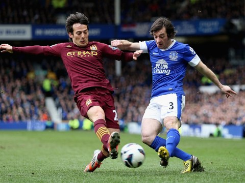 Everton ready to ward off Manchester United by 'rewarding' Leighton Baines with new deal