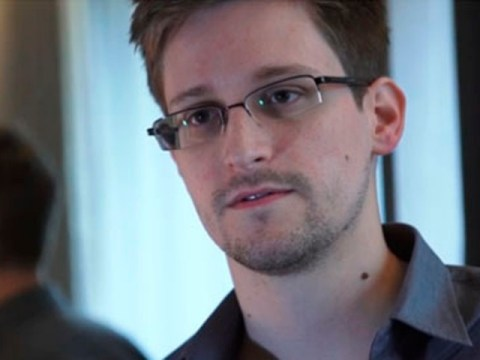 Internet rallies behind NSA leaker Edward Snowden