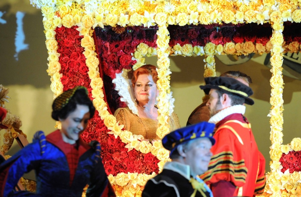 Susan Bullock makes an unforgettable Elizabeth I (Picture: Alastair Muir)