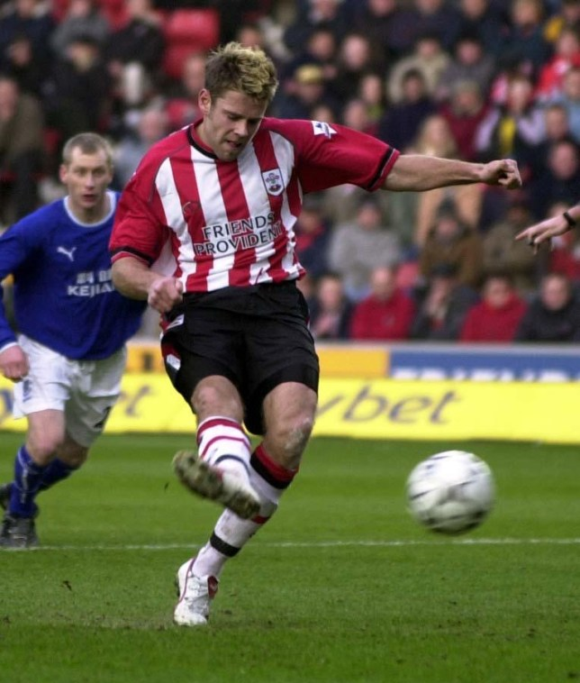 Southampton's James Beattie scores a penalty, given in the second half, to bring a draw against Everton, during their Barclaycard Premiership match at Southampton's St Mary's Stadium Saturday February 21 2004. PA Photo: Neil Munns  THIS PICTURE CAN ONLY BE USED WITHIN THE CONTEXT OF AN EDITORIAL FEATURE. NO WEBSITE/INTERNET USE UNLESS SITE IS REGISTERED WITH FOOTBALL ASSOCIATION PREMIER LEAGUE.