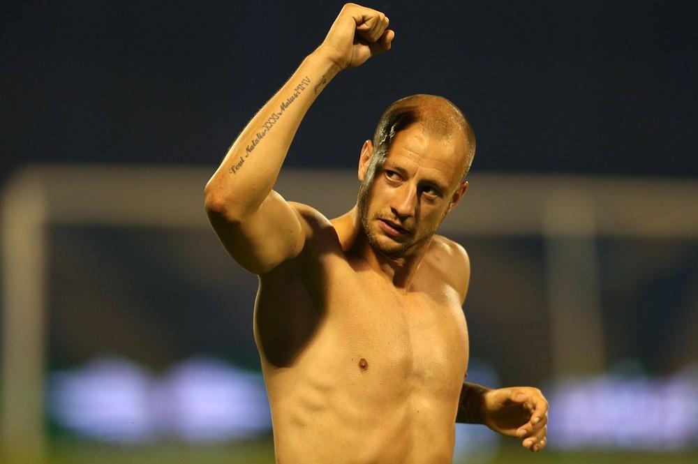 Aston Villa send unwanted defender Alan Hutton on loan to Real Mallorca