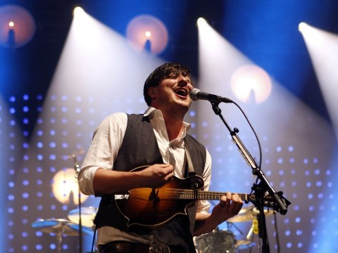 Mumford & Sons take pop at Glastonbury crowd for doing too many drugs