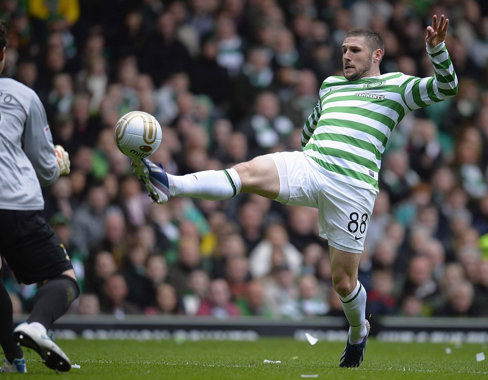 Norwich frustrate QPR by hijacking their bid for Celtic striker Gary Hooper