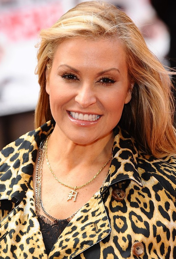 Anastacia beats cancer for the second time