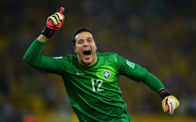 RIO DE JANEIRO, BRAZIL - JUNE 30:  Julio Cesar of Brazil celebrates his team's third goal during the FIFA Confederations Cup Brazil 2013 Final match between Brazil and Spain at Maracana on June 30, 2013 in Rio de Janeiro, Brazil.  (Photo by Laurence Griffiths/Getty Images)