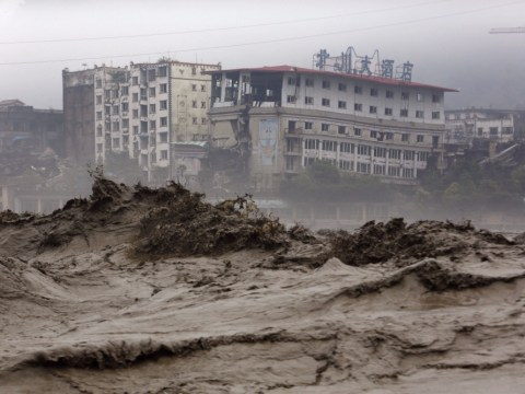 China mudslide buries 40 after heavy rain leads to flooding