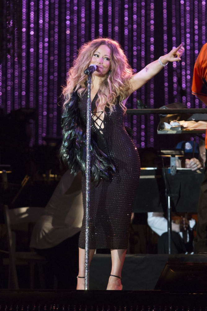 'Careful' Mariah Carey is shunning her heels while recovering from broken bones