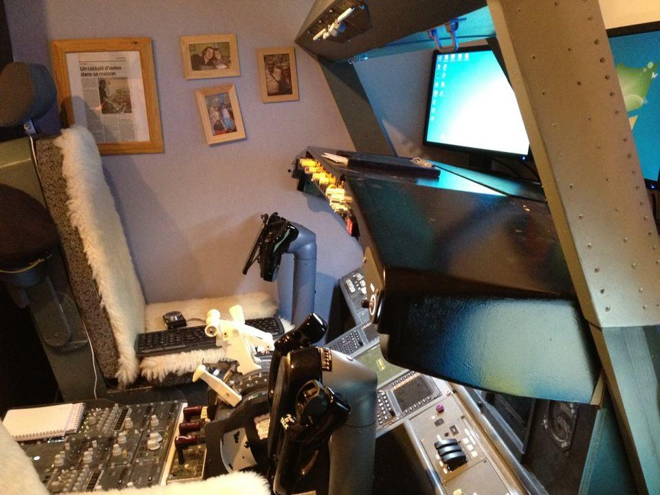 Man builds fully-functional Boeing 737 flight simulator in his son's bedroom