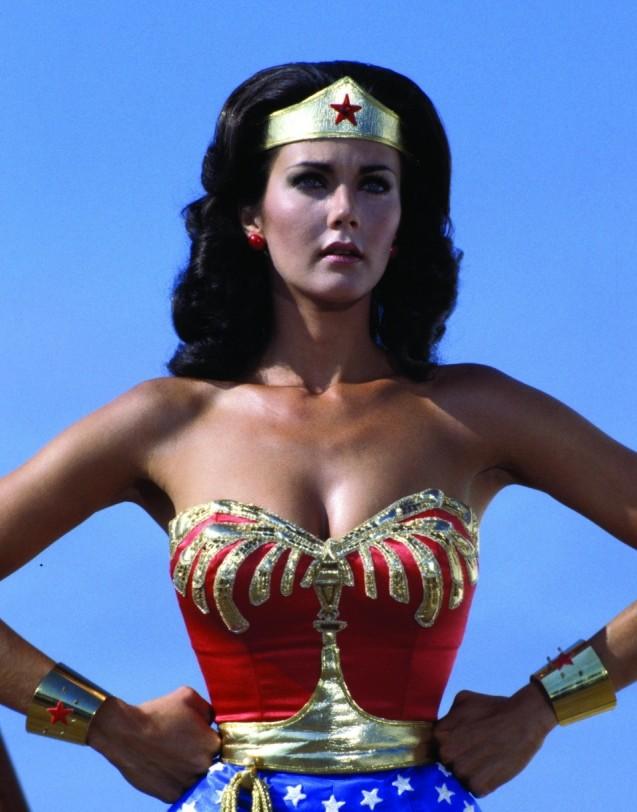 Golden girl Hannah Cockroft to do final race of the season dressed as Wonderwoman