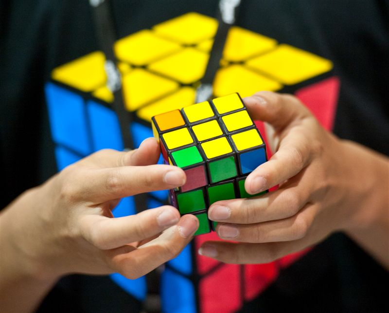 RUBIK'S CUBE EMAIL (33 of 34)