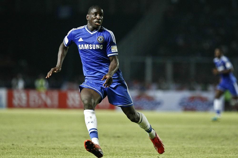 Newcastle in transfer talks to take Demba Ba back from Chelsea