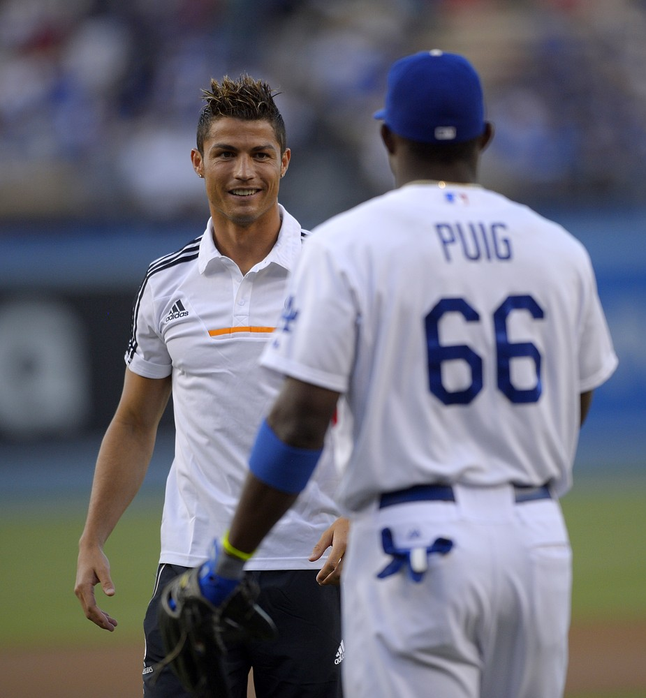 Cristiano Ronaldo's wild pitch draws groans at the Los Angeles Dodgers – video