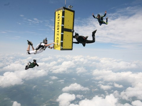 Daredevil escapes from locked coffin while handcuffed during skydive