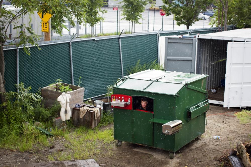 Gregory Kloehn, dumpster home