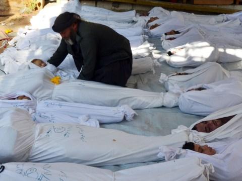 Syria: Children among hundreds 'killed by chemical attacks'