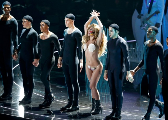 """Lady Gaga performs """"Applause"""" during the 2013 MTV Video Music Awards in New York August 25, 2013. (Picture: Reuters)"""