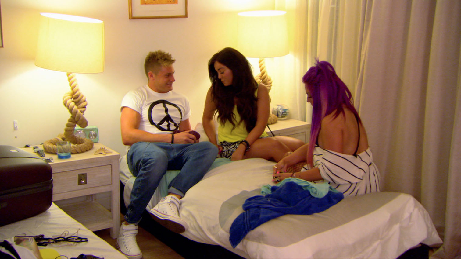 Holly Hagan and Vicky Pattison slap a sex ban on Scotty T in Geordie Shore: Going Down Under