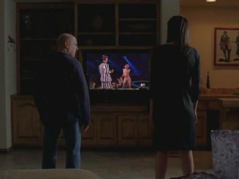 Miley Cyrus Breaking Bad: Hank and Marie watch VMA twerking in horror